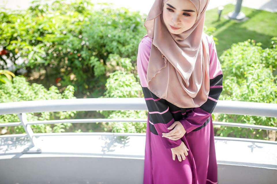 DRESS MOSS CREPE DANIA PURPLISH RED B