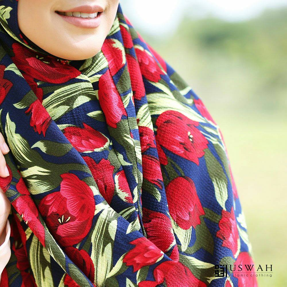 INSTANT SHAWL HUSNA LABUH CLOSE UP 3