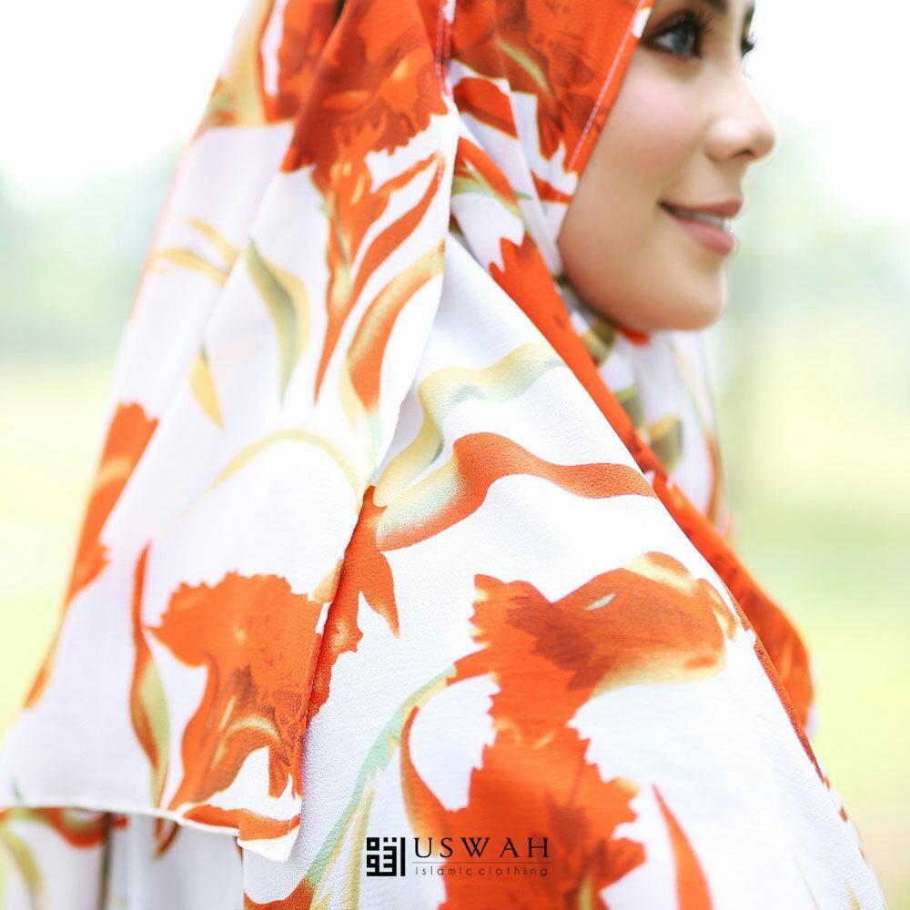 INSTANT SHAWL HUSNA LABUH CLOSE UP 4