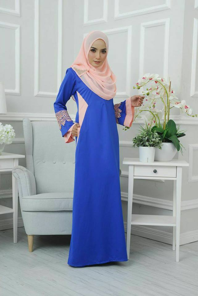 jubah-satin-neesa-electric-blue