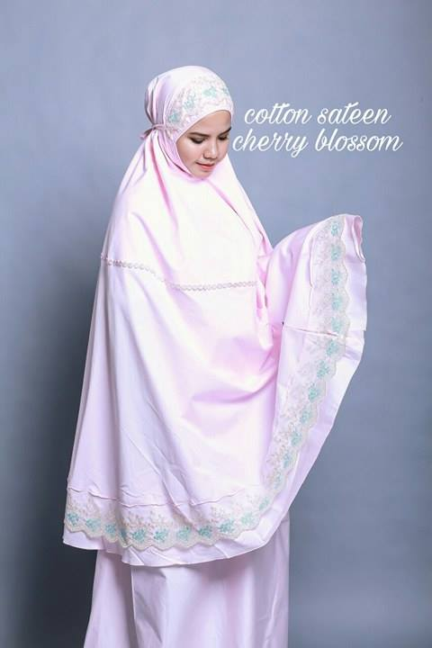 telekung-renda-premium-cotton-sateen-cherry-blossom
