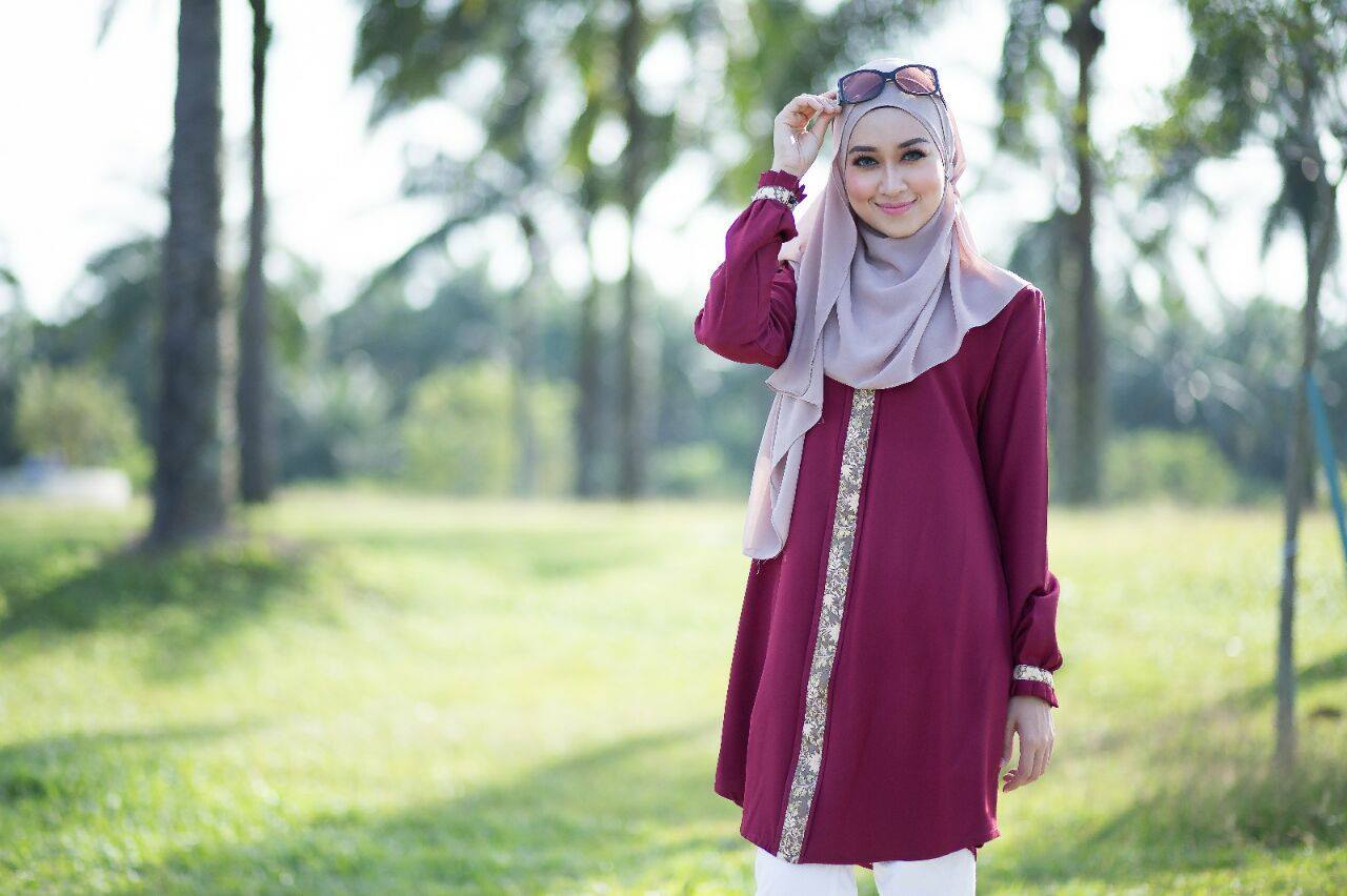 lily-blouse-maroon-b