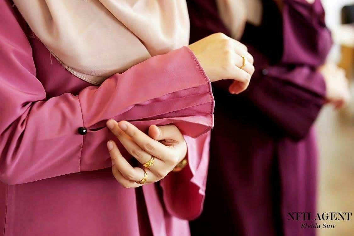 suit-elvida-close-up