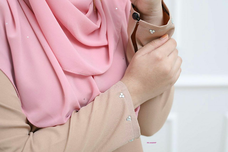 KURUNG MODEN RAYA ROPOL FELORA CLOSE UP 1