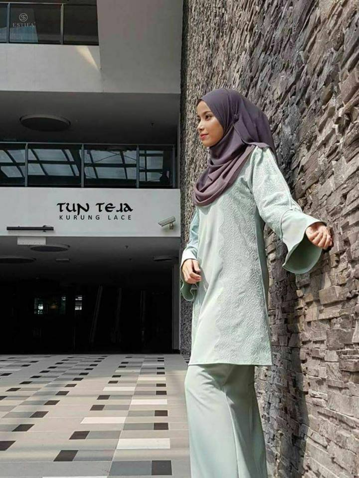 KURUNG RAYA LACE TUN TEJA OUT
