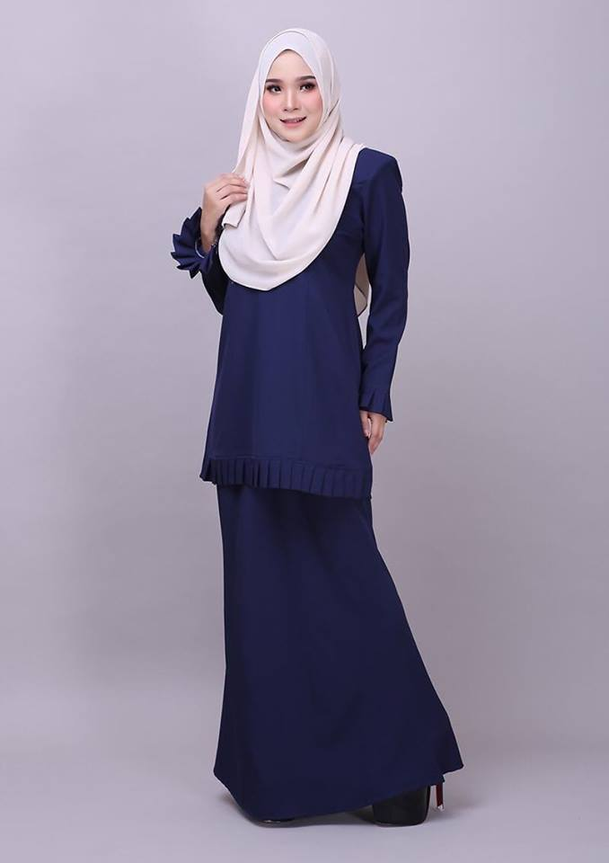 KURUNG MODEN PLEATED COMO CREPE MELUR DARK BLUE 1