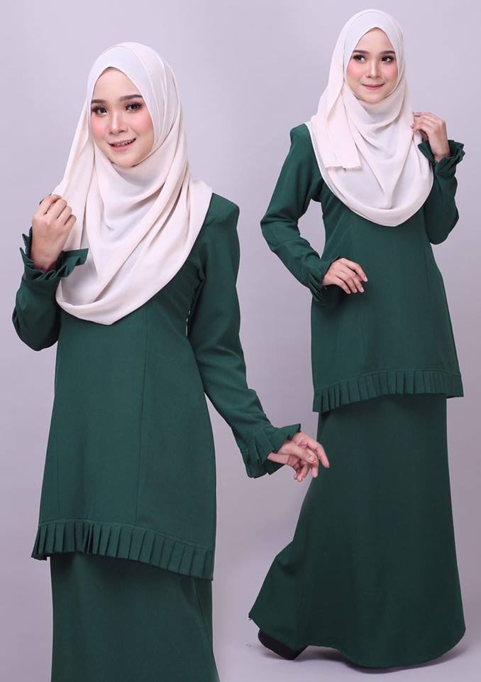 KURUNG MODEN PLEATED COMO CREPE MELUR DARK GREEN 1