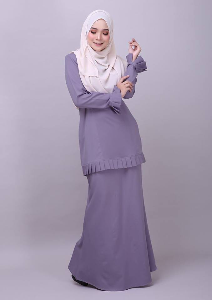 KURUNG MODEN PLEATED COMO CREPE MELUR GREY 2
