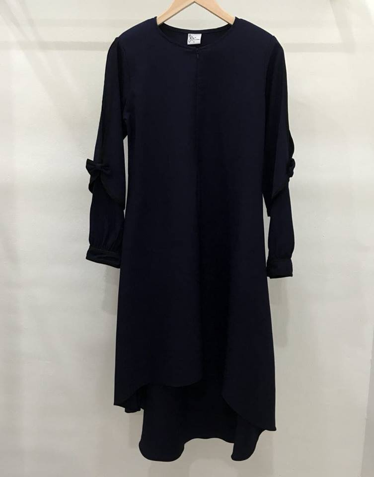 BLOUSE MUSLIMAH MODEN KE OFFICE MADELINE DARK BLUE 3