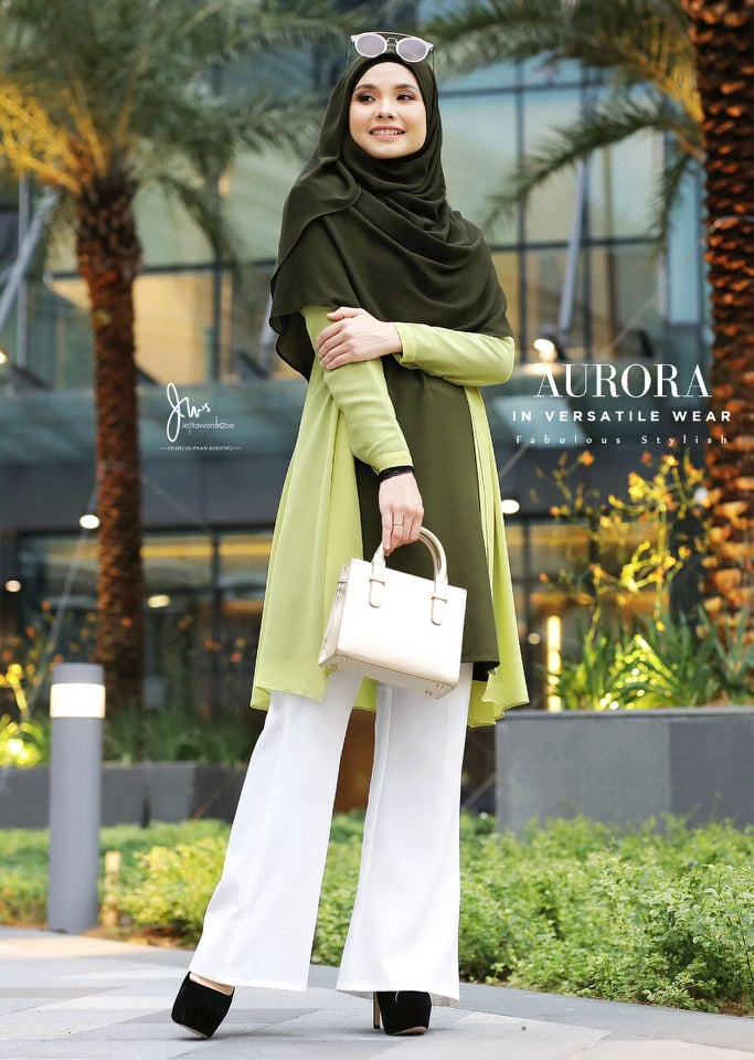 BLOUSE VERSATILE AURORA HILL GREEN 1