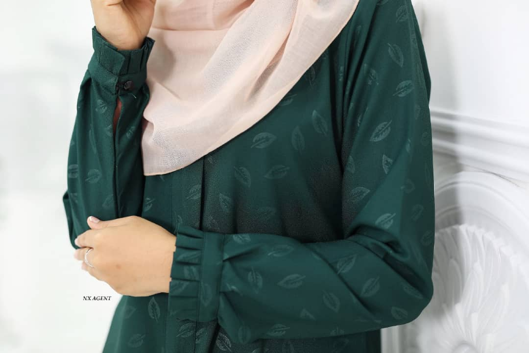 BLOUSE MUSLIMAH IRIS EMBOSSED CLOSE