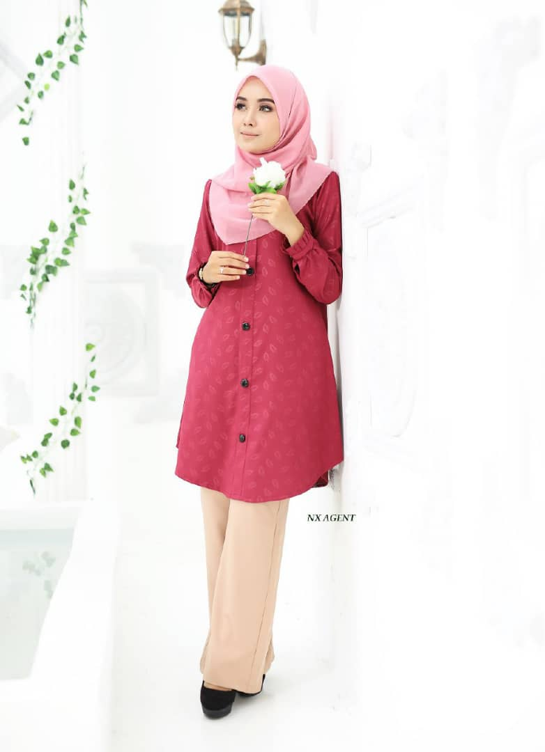 BLOUSE MUSLIMAH IRIS EMBOSSED HOT PINK 2