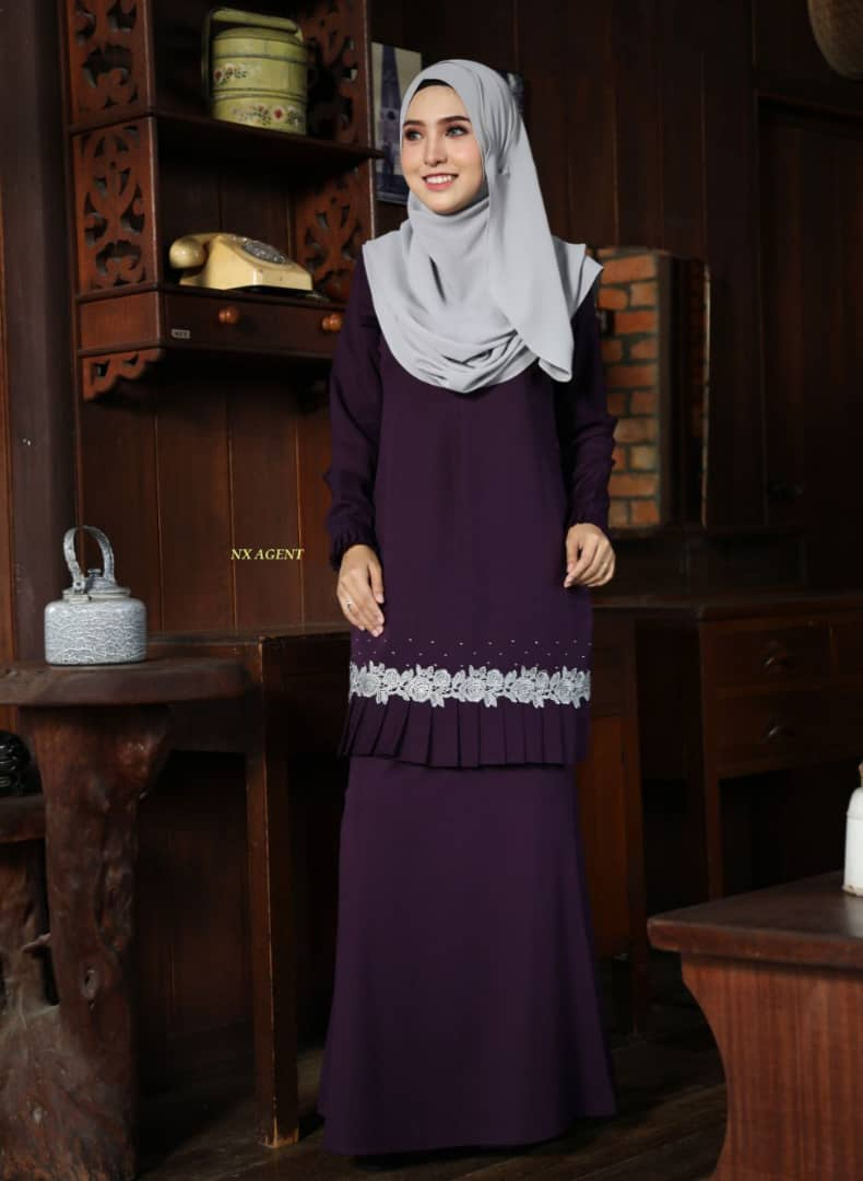 KURUNG MODEN LIANY EKSKLUSIF DARK PURPLE 1