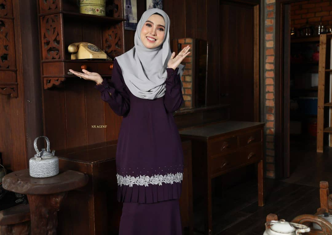 KURUNG MODEN LIANY EKSKLUSIF DARK PURPLE 3