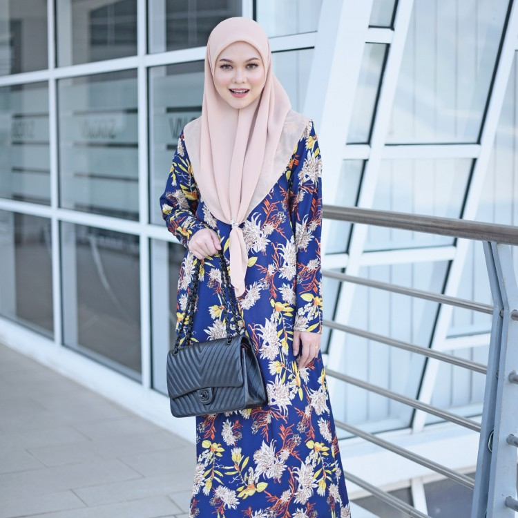 JUBAH PRINTED AIRIS RAYA 2019 PRUSSIAN BLUE 2